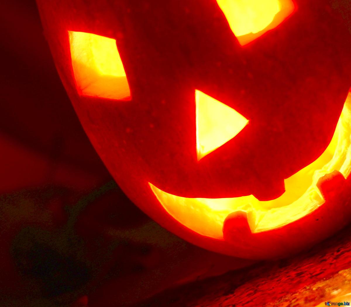 Halloween Wiki: Bräuche und Gruseln